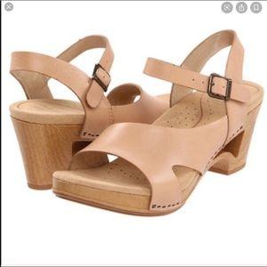 Dansko | Tasha Leather Cut Out Sandal